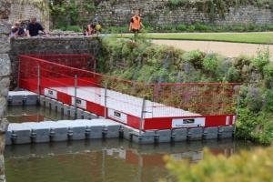 Floating work platform