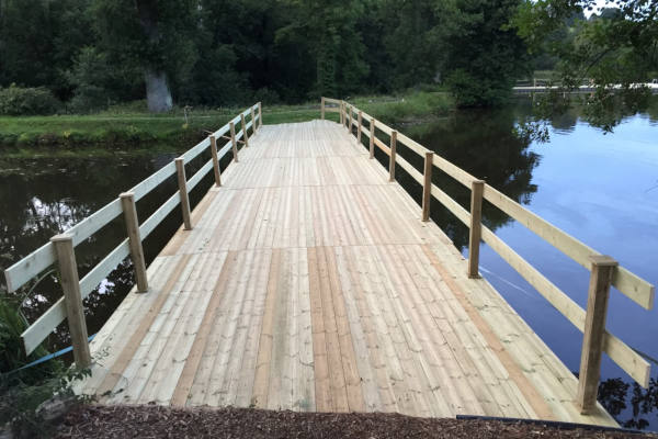 Decked pontoon walkway